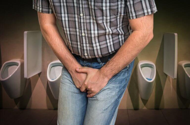 בריחת שתן בקרב גברים: כל מה שצריך לדעת