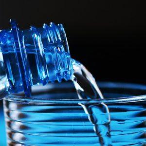 שמונה כוסות מים ביום?